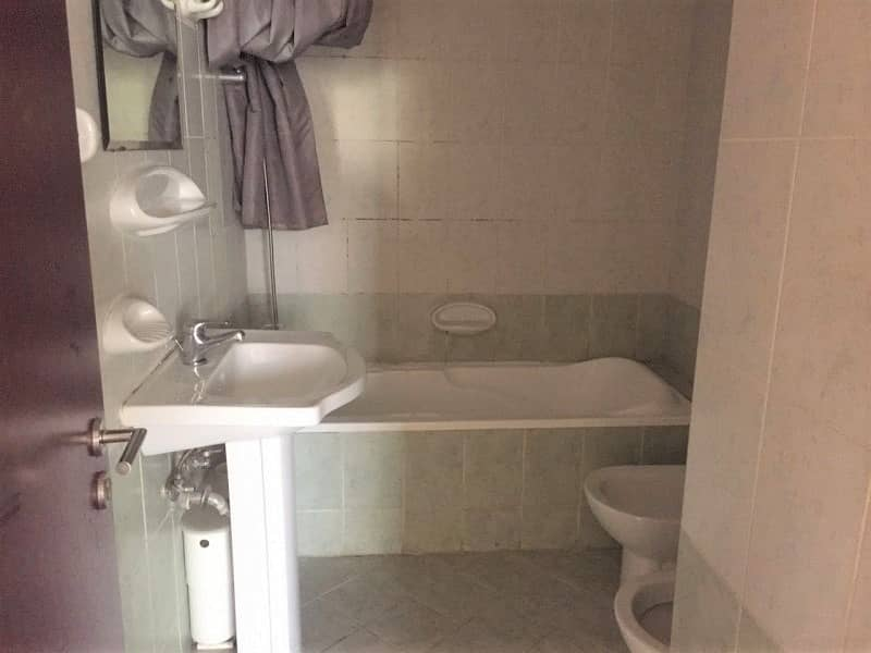 6 WELL MAINTAINED |1BR HALL WITH BALCONY | IN ENGLAND CLUSTER FOR SALE
