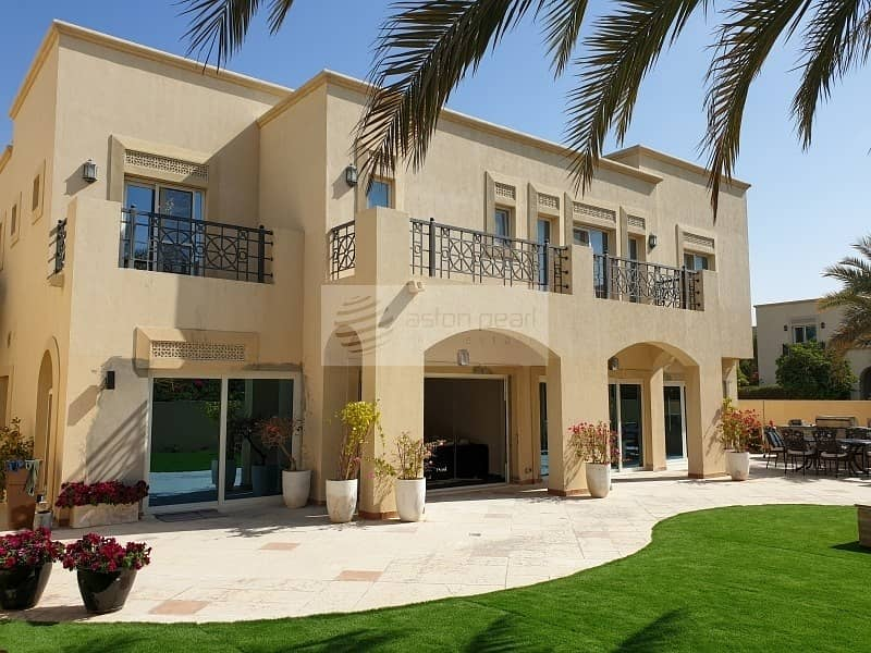 Luxury Villa |Fully Upgraded|Vacant|Opposite Pool