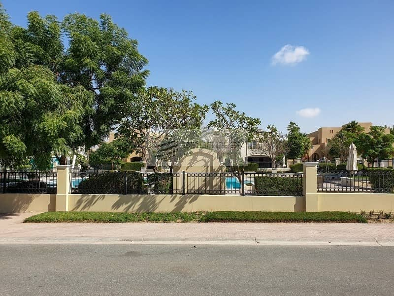 30 Luxury Villa |Fully Upgraded|Vacant|Opposite Pool