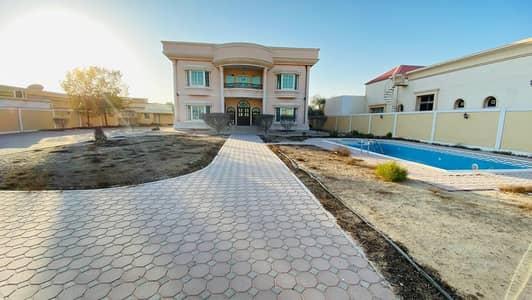 5 Bedroom Villa for Rent in Nad Al Hamar, Dubai - OUTSTANDING 05 B/R VILLA | PRIVATE POOL | HUGE & SPACIOUS GARDEN