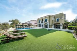 Huge Plot| Private Pool| Golf Course View