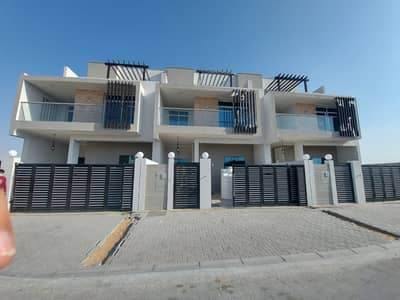 4 Bedroom Villa for Sale in Al Zahia, Ajman - Ground, first and roof villa, modern design, with cabanas with walls, and distinctive personal finishing at a great price