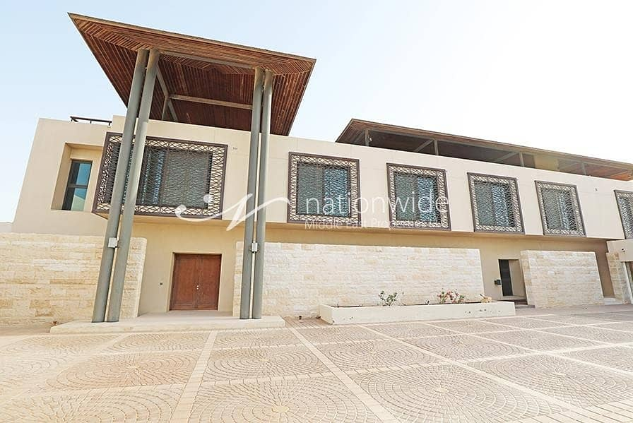 Experience Luxurious Lifestyle In This Villa