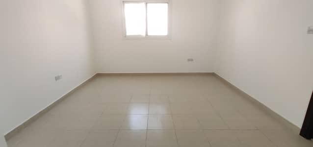 فلیٹ 1 غرفة نوم للايجار في بوطينة، الشارقة - شقة في بناية بوطينة 2 بوطينة 1 غرف 17999 درهم - 5024675