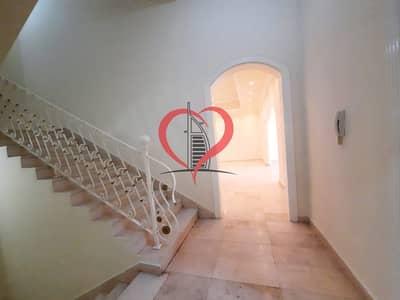 فیلا 8 غرف نوم للايجار في الكرامة، أبوظبي - Full villa