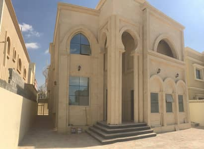 A very luxurious villa for the first inhabitant of Super Deluxe finishing in the finest areas of Ajman