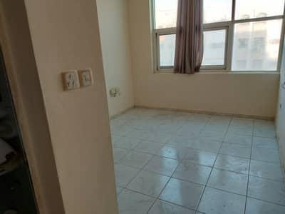 استوديو  للايجار في مويلح، الشارقة - شقة في مبنى مويلح مويلح 9990 درهم - 4923375