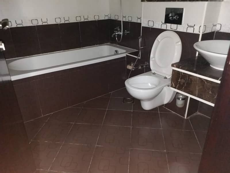 12 Spacious   Furnished Apt   3 Bathrooms  All Amenities  Tecom
