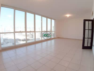 Hot Offer! Heart Winning 3 BR W/ All Amenities|Amazing View of Road