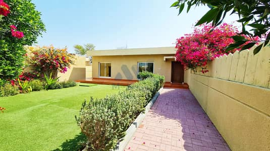 3 Bedroom Villa for Rent in Jumeirah, Dubai - No Commission   3 BR Plus Maids   Private Garden   Communal Pool