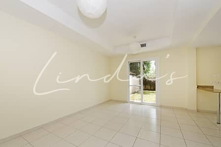 2 Bedroom Villa for Rent in The Springs, Dubai - Pristine Condition Lake and Park Facing | Type 4M