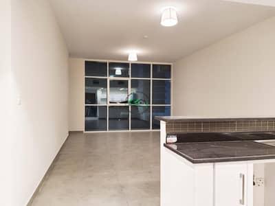 شقة 2 غرفة نوم للايجار في شاطئ الراحة، أبوظبي - Luxurious & Lavish 2 BR With Full Amenities in Outstanding Location