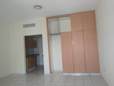 استوديو  للبيع في المدينة العالمية، دبي - شقة في الحي الإيطالي المدينة العالمية 200000 درهم - 5026962