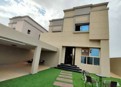 3 Bedroom Villa for Sale in Al Zahia, Ajman - On the main street directly with a garden, the villa area is large, the price price is negotiable with the owner directly