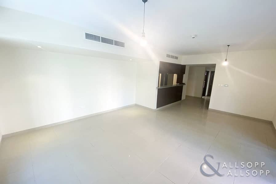 2 UPGRADED | LARGE TERRACE | TWO BEDROOMS