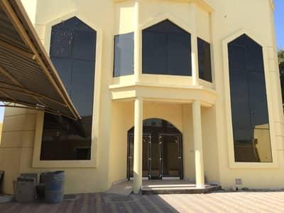 فیلا 6 غرف نوم للايجار في الحزانة، الشارقة - فیلا في الحزانة 6 غرف 100000 درهم - 5028055