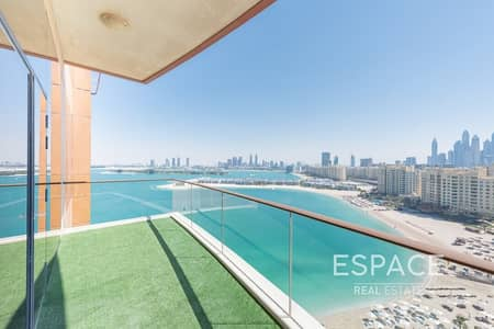 2 Bedroom Apartment for Rent in Palm Jumeirah, Dubai - Upgraded - Shower In Guest WC - 2 Parkings