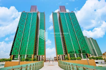 4 Bedroom Penthouse for Sale in Al Reem Island, Abu Dhabi - Hot Deal ! Make Your In Fabulous High Floor 4+Maid