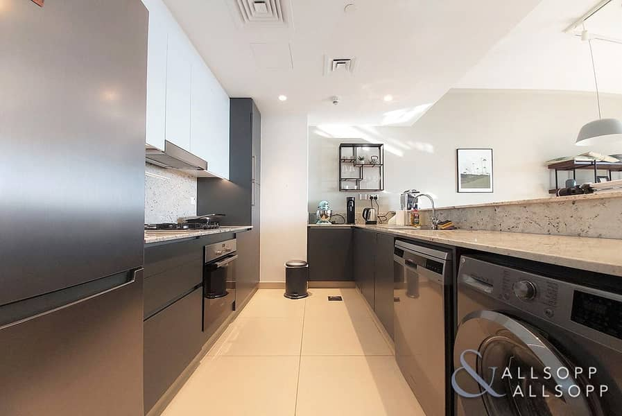 2 Upgraded | Open View | Exclusive | 1 Bed