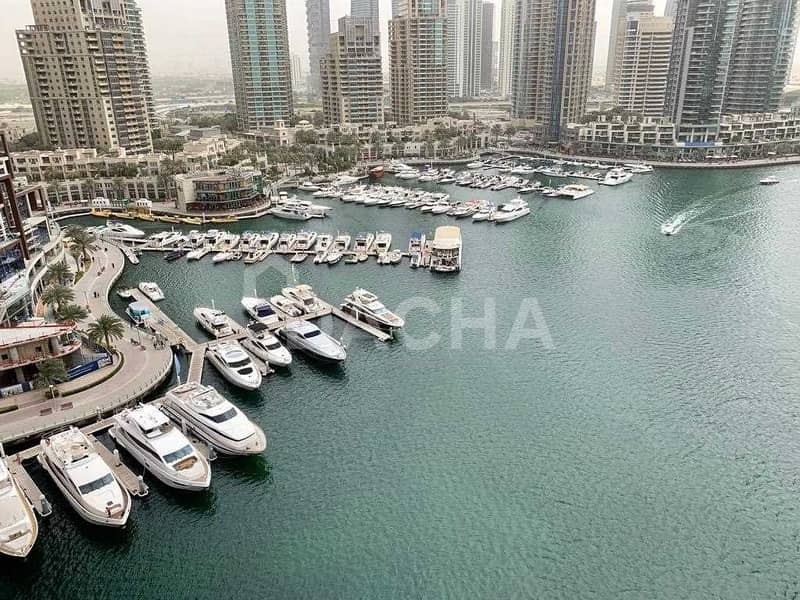 11 A must see property / Beautiful Marina views