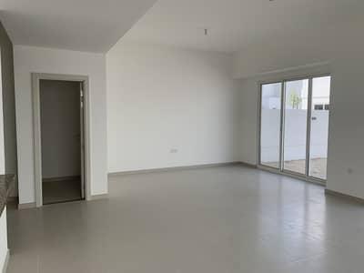 فیلا 3 غرف نوم للايجار في مدن، دبي - علامة تجارية جديدة | 3 غرف نوم + خادمة | شبه منفصلة | حياة أكبر | غرف أكبر