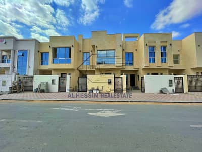5 Bedroom Villa for Sale in Al Yasmeen, Ajman - Villa for sale in Jasmine on the street, the price is including registration fees, a large modern area with beautiful specifications