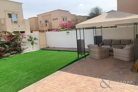 3 Bedroom Townhouse for Sale in The Lakes, Dubai - The Lakes | 3 Bedrooms | Maids And Study