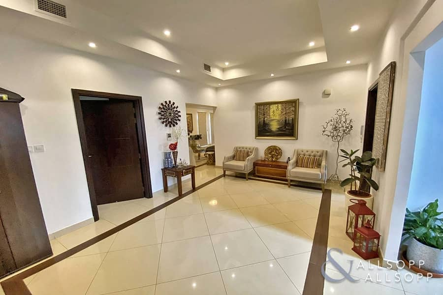 2 Large Plot | Generous Room Sizes | 5 Beds