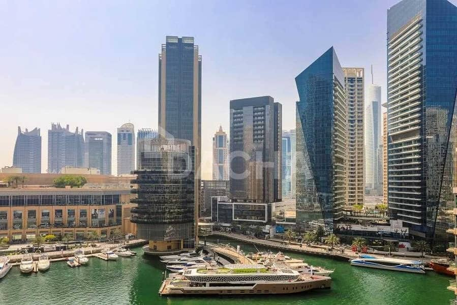 18 Excellent 2 Bed / Penthouse Marina View