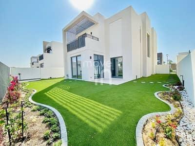 فیلا 4 غرف نوم للبيع في دبي الجنوب، دبي - READY NOW   Stunning Villa   Fully Landscaped Garden