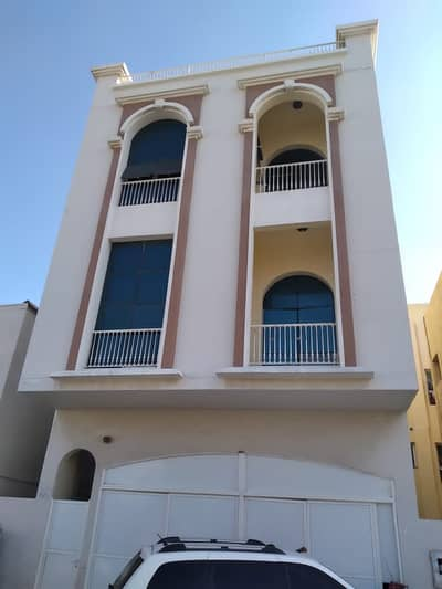 Building for Rent in Deira, Dubai - Full building for rent in Hor Al Anz