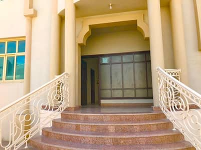 3 Bedroom Villa for Rent in Al Nahyan, Abu Dhabi - Villa apartment 3bhk water electricity Including  with car parking.