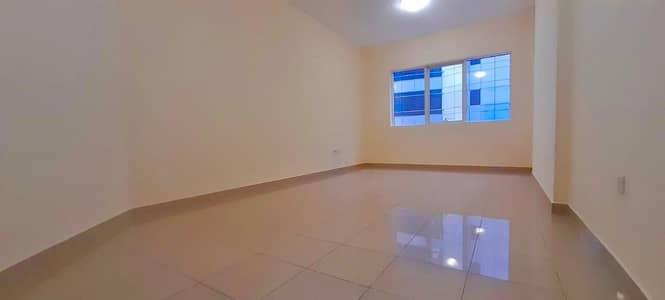فلیٹ 2 غرفة نوم للايجار في آل نهيان، أبوظبي - Spacious 2 Bedrooms Apartment in Al Nahyan Mamura 55k.