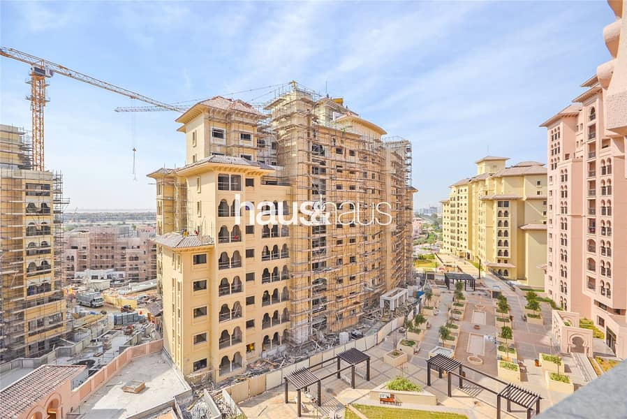 Exclusive 2 Bed | Bright and Spacious Corner Unit