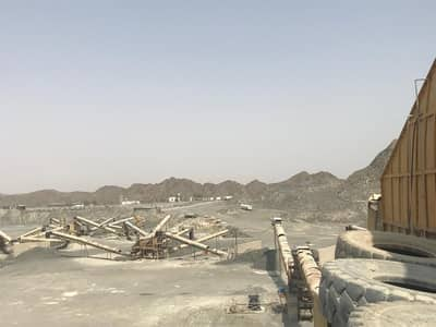 Fujairah (Siji Dam) a ready crusher plant with built in offices and labor camp