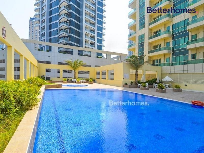 13 Marina View | Multiple cheques | Immaculate