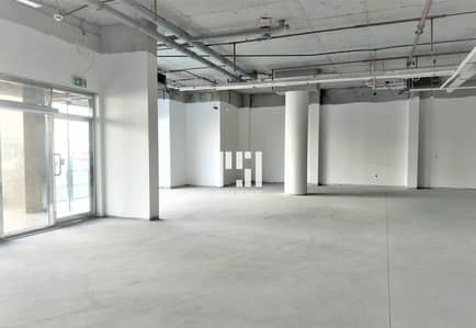 Shop for Rent in Al Garhoud, Dubai - Shop | Huge | Main Road  Al Garhoud ( NO COMMISION)