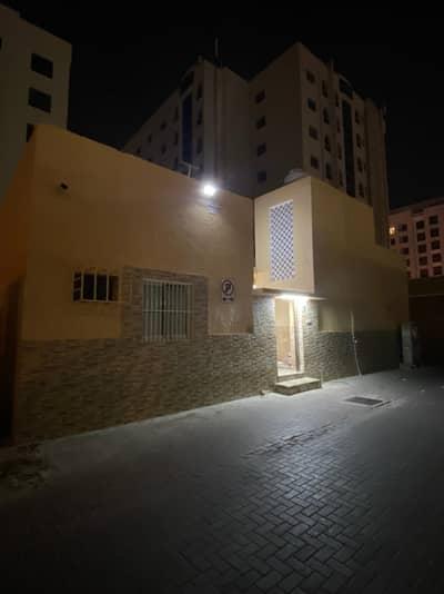 4 Bedroom Villa for Rent in Deira, Dubai - 4 Bedroom Villa in Al Muraqabat Rigga