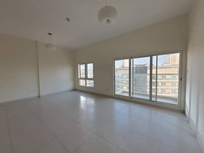 2 Bedroom Flat for Rent in Dubai Silicon Oasis, Dubai - Captivating Awarded Best Bldg | Elegant 2BR With Balcony