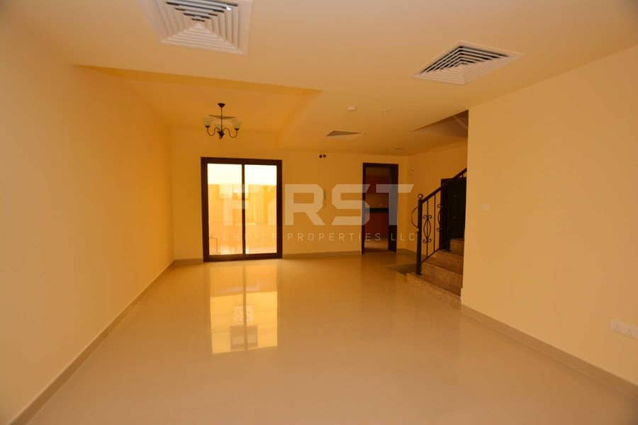2 Vacant | Rent a Bright and Spacious Villa.