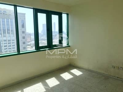 شقة 3 غرف نوم للايجار في شارع النجدة، أبوظبي - Balcony | Central AC | Huge Rooms | 4 Chqs