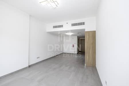 Studio for Rent in Jumeirah Village Circle (JVC), Dubai - Bright Unit | Road Views | Amazing Offer