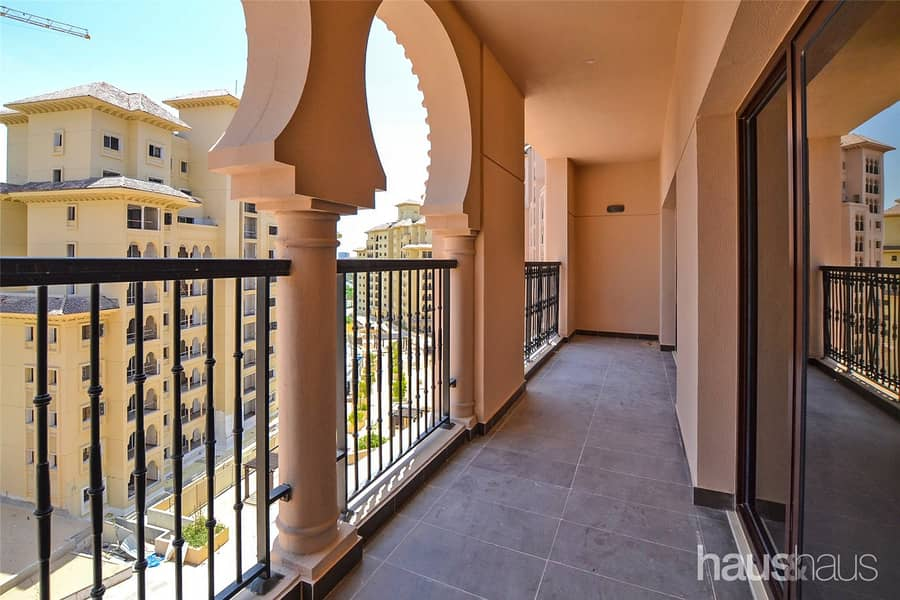 2 Exclusive   1 Bed with Balcony   JGE Views