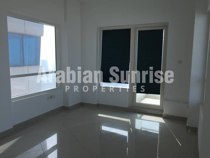 2 Great Deal! Vacant Apt on High Floor with Sea View