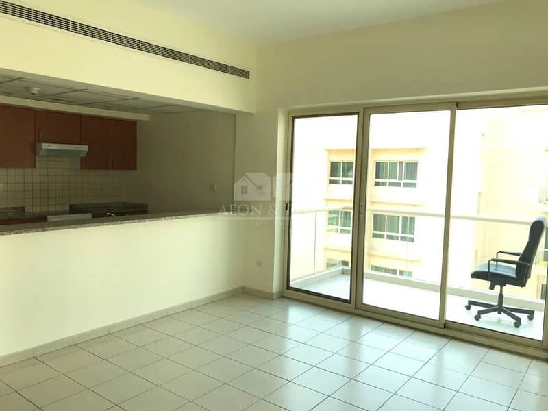 Chiller Free I VACANT I Well Maintained 1 bed