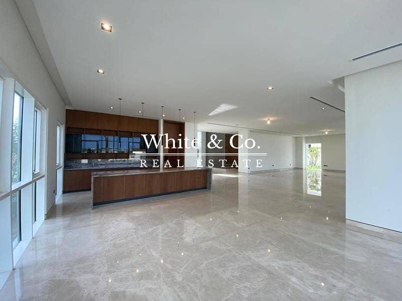 RESALE |Full Golf Course View | Luxury Villa
