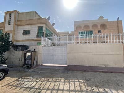 3 Bedroom Villa for Rent in Al Rifah, Sharjah - Three-room two-storey villa with air conditioners in Al Raffa