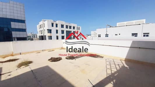 Building for Rent in Defence Street, Abu Dhabi - Best Deal! Well-maintained commercial building for rent