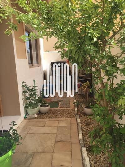 4 Bedroom Townhouse for Sale in Al Raha Gardens, Abu Dhabi - Hot Price