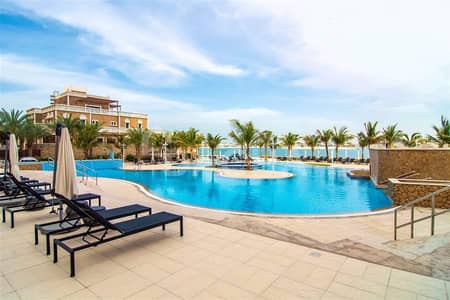 2 Bedroom Flat for Sale in Palm Jumeirah, Dubai - New on the Market / Vacant / Sea Views